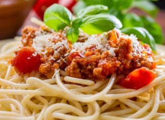 Spaghettis à la sauce bolognaise fait maison